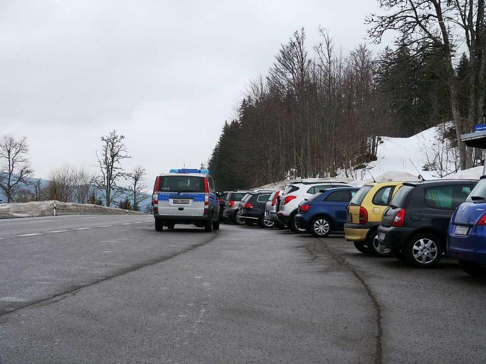An Haltestellen dürfen Autos nicht abg...rkchaos im Skigebiet entgegenzuwirken.    Foto: Mariella Hutt