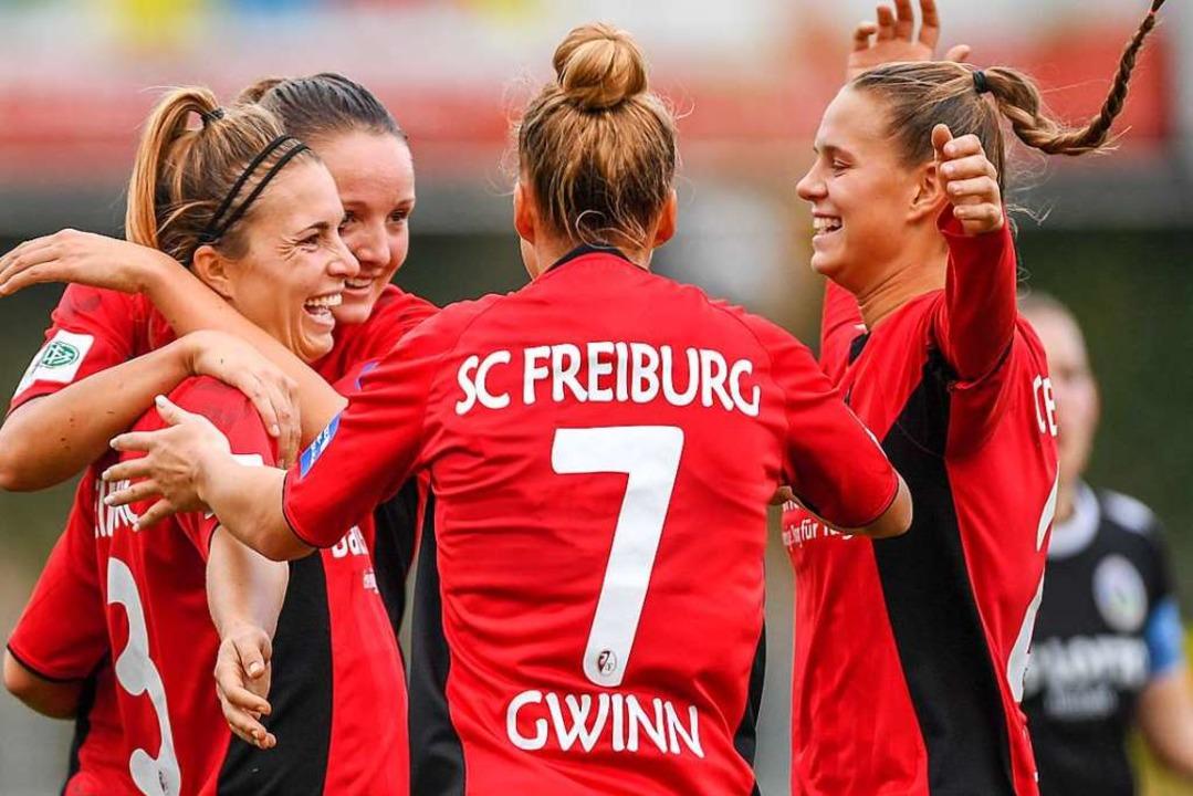 Spielerinnen des SC Freiburg (Archiv)   | Foto: Patrick Seeger