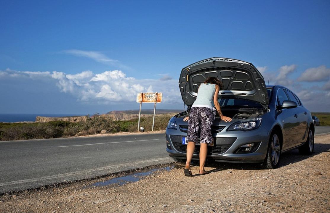 Autopanne: Wer bezahlen muss,  lässt sich im Vorfeld klären.       | Foto: dpa
