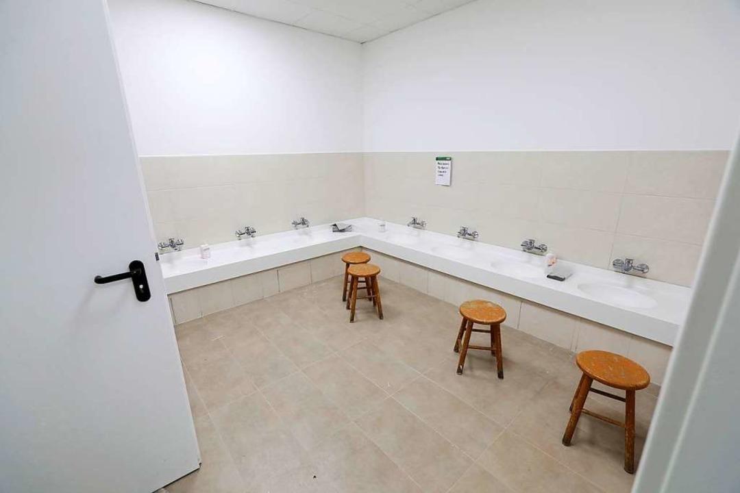 Einer der Waschräume  | Foto: Christoph Breithaupt