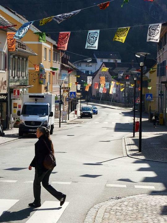 In der Innenstadt von Zell stehen zahlreiche Geschäfte leer.  | Foto: Sattelberger