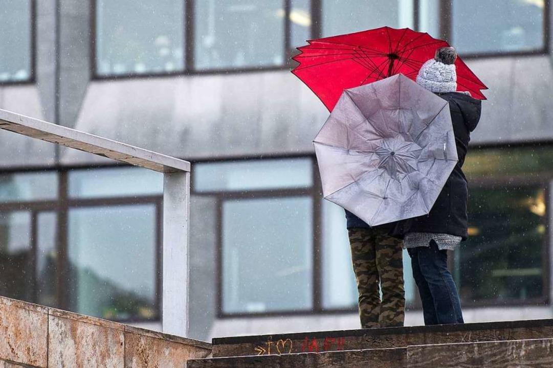 Dauerregen auch in Stuttgart  | Foto: dpa