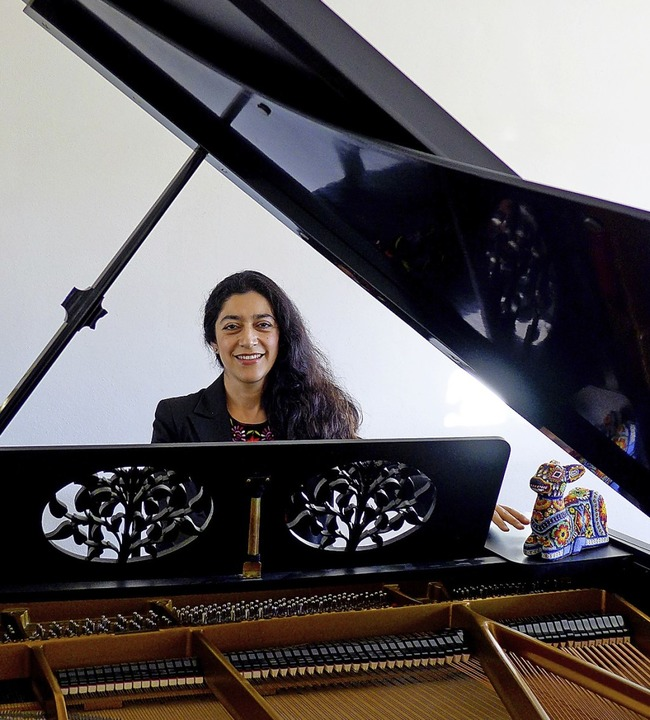 Die aus Mexiko stammende Pianistin Claudia Corona lebt heute in Forchheim.   | Foto:  usk