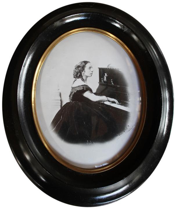 Glasplattenätzung mit dem Bild von   Pauline Viardot-Garcia  | Foto: Erich Krieger