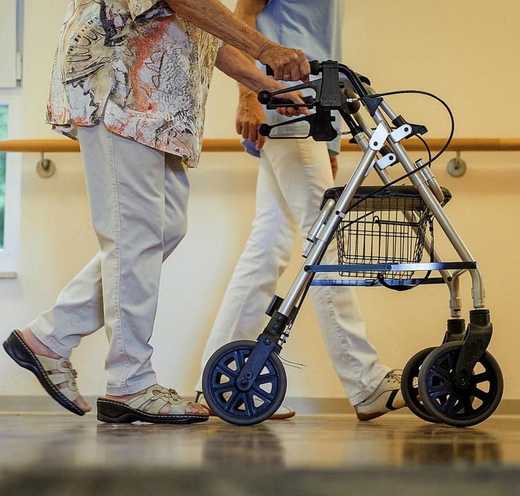 Angehörige von Pflegebedürftigen wünschen sich Hilfe.  | Foto: dpa
