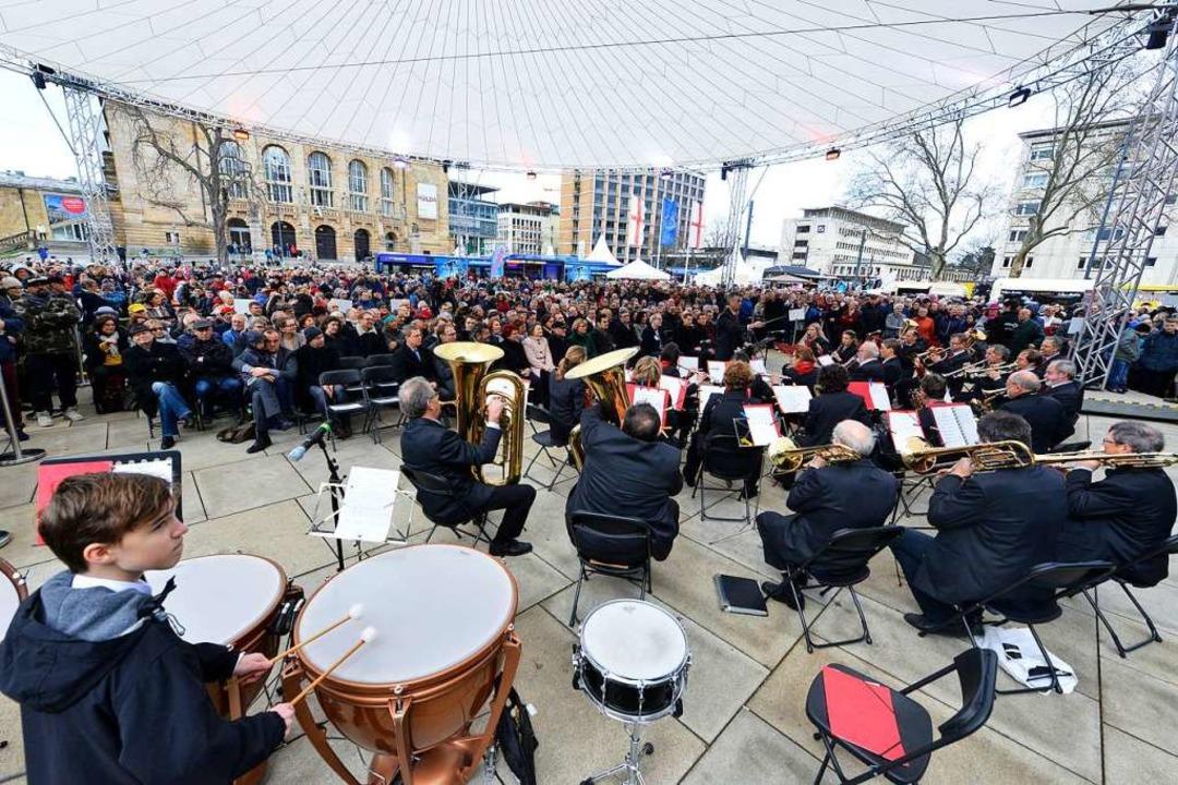 Zur Eröffnung spielte das Philharmonische Orchester mit dem Musikverein der VAG.  | Foto: Michael Bamberger