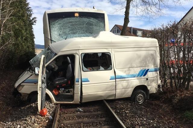 Nach tödlichem Unfall: Bahnübergang bekommt Schranken