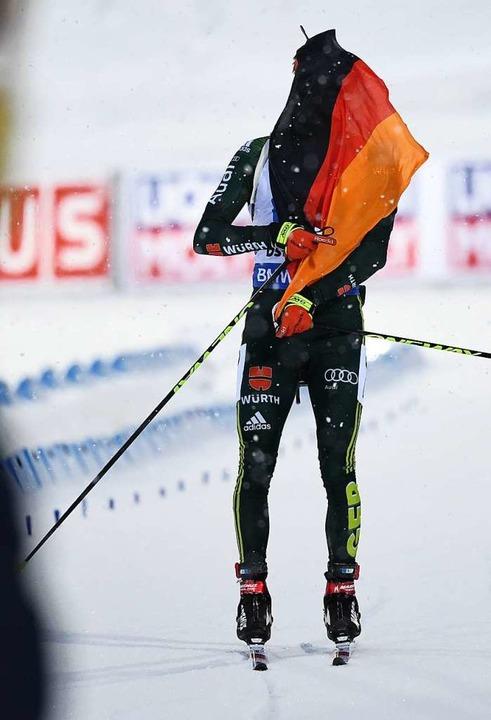 Benedikt Doll verwurstelte sich nur mit der Fahne.    Foto: dpa