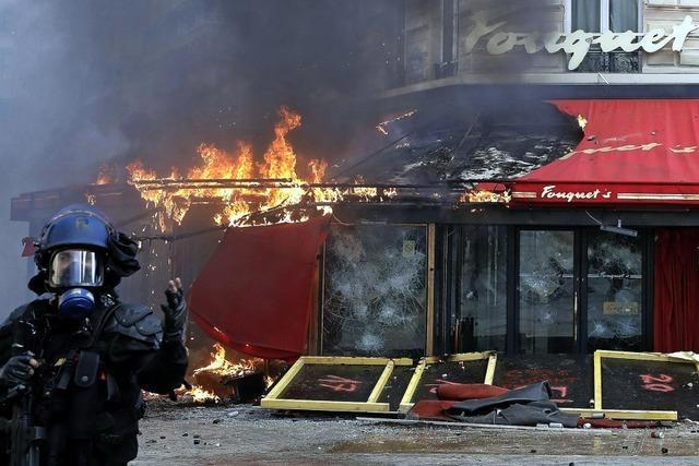 Spur der Verwüstung in Paris