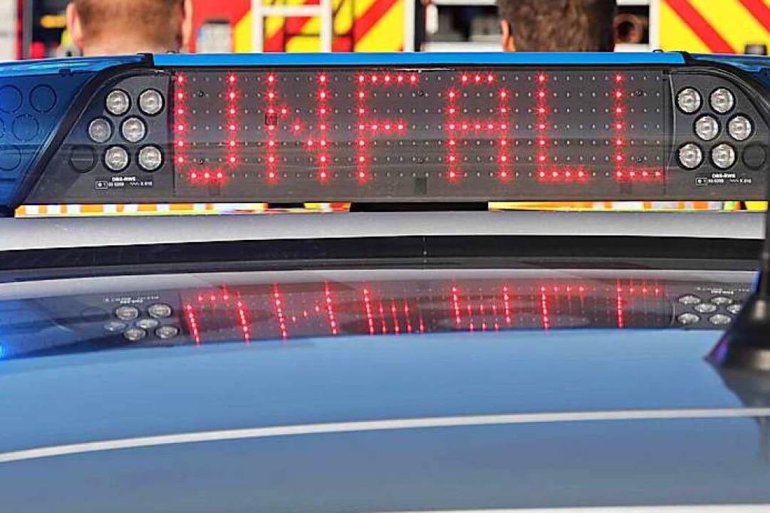 Bei einem Auffahrunfall auf der A5 hat...w-Fahrer leicht verletzt. (Symbolbild)  | Foto: dpa