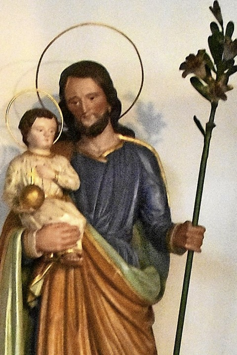 Josef mit dem blühenden Holzstab und d...nd in der Kirche St. Georg in Buchheim  | Foto: Manfred Frietsch