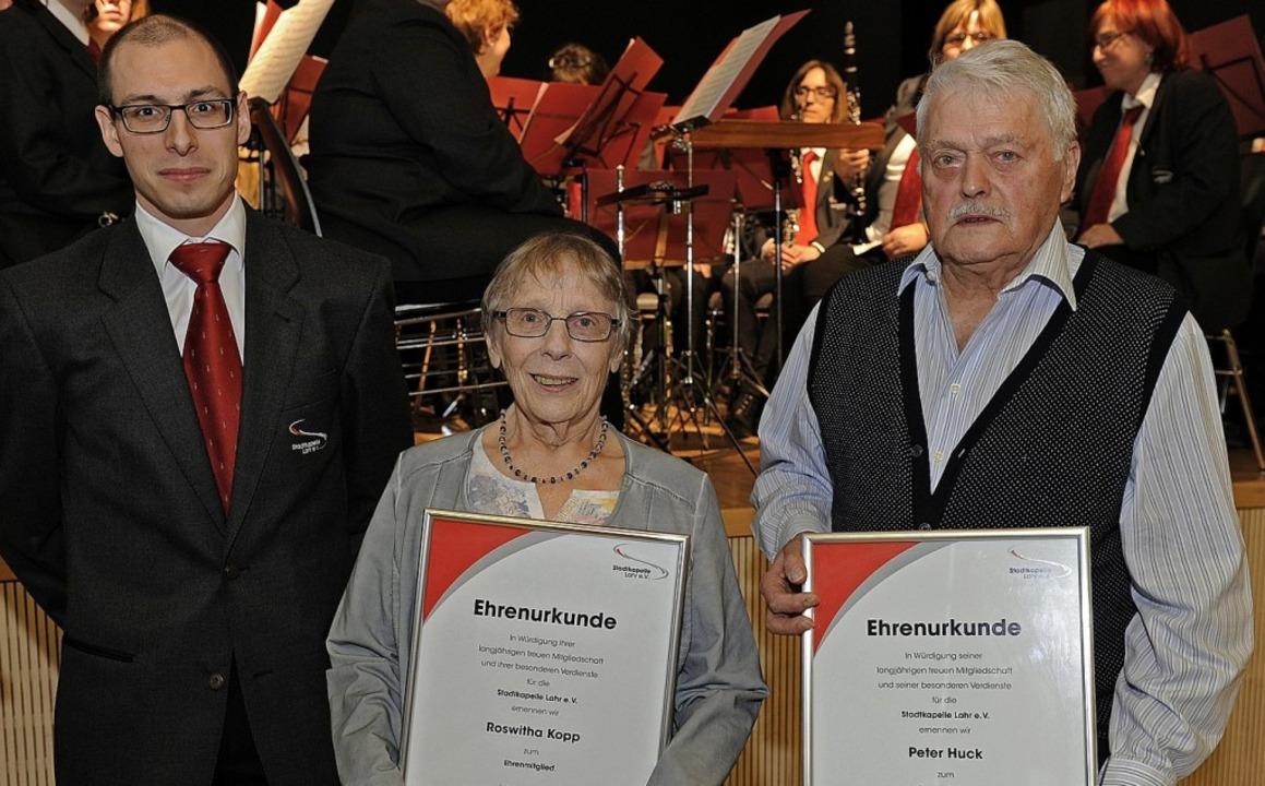 Für langjährige Treue zum Verein und i... der Stadtkapelle, Christopher Büttner  | Foto: Pressebüro Schaller