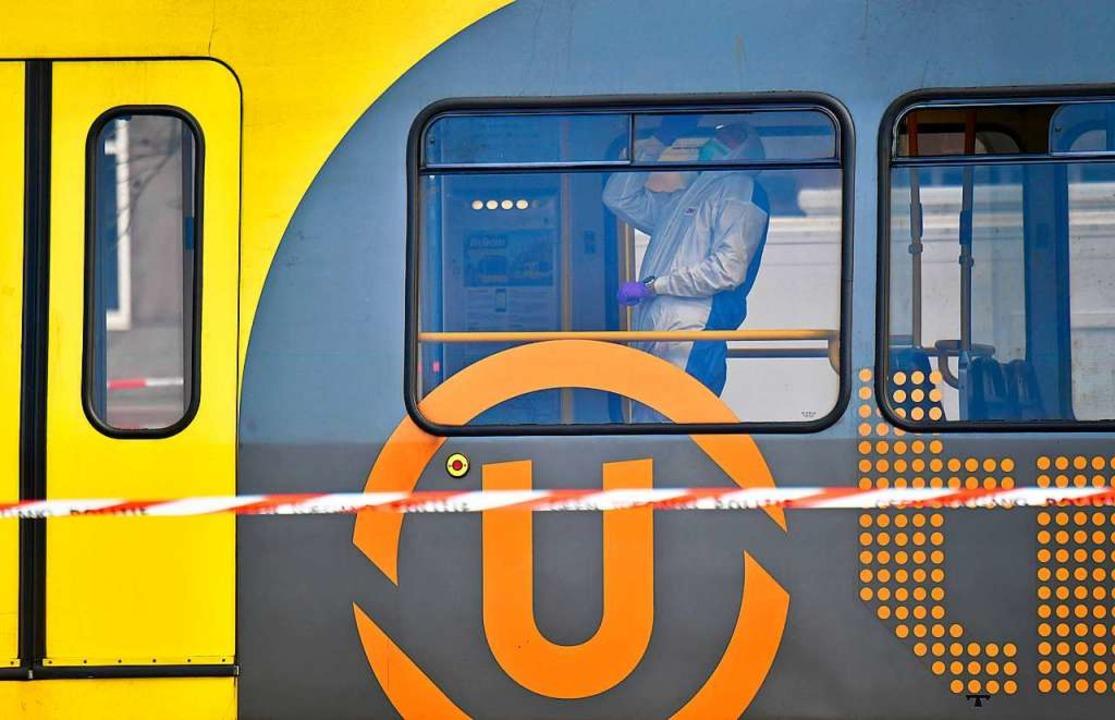 In dieser Straßenbahn in Utrecht fielen die Schüsse.  | Foto: AFP
