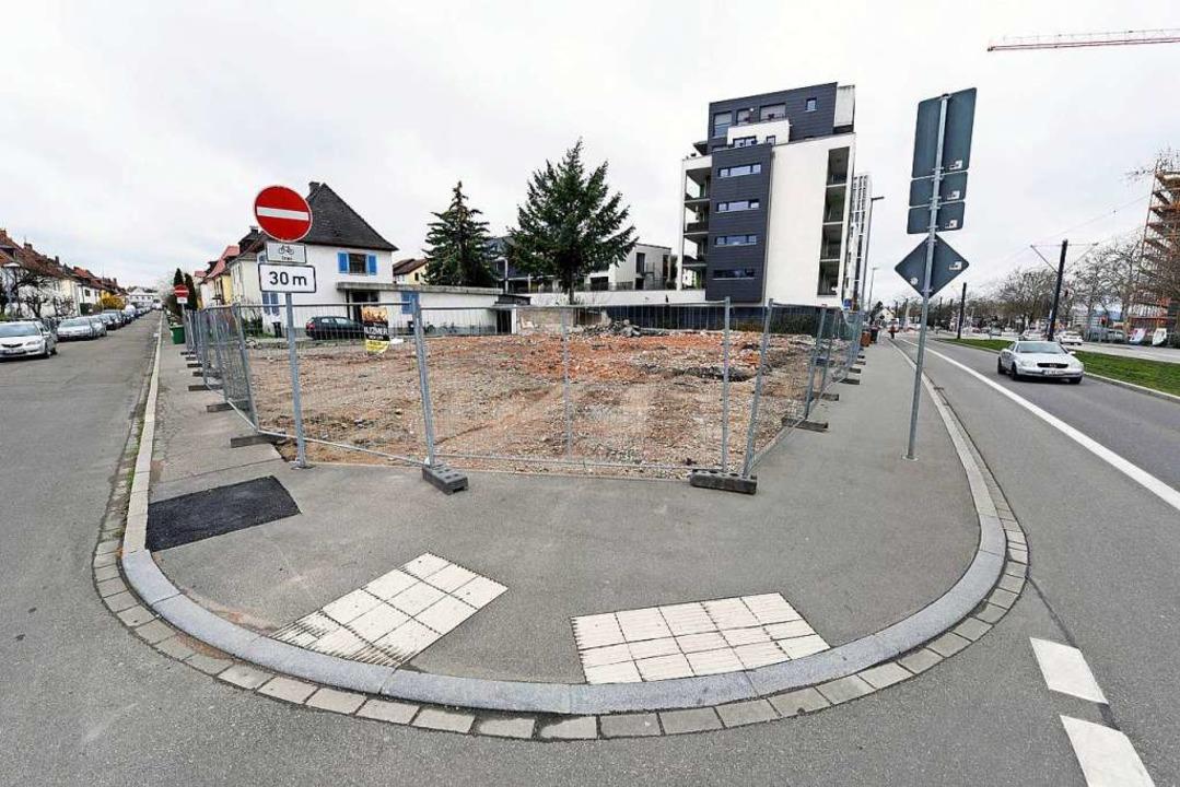 An der Einmündung der Yorckstraße (lin...ge Norma-Grundstück bereits abgeräumt.  | Foto: Thomas Kunz