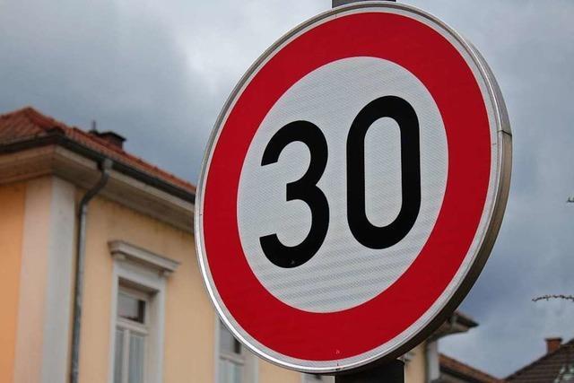 Schönau möchte nachts Tempo 30 auf der Bundesstraße