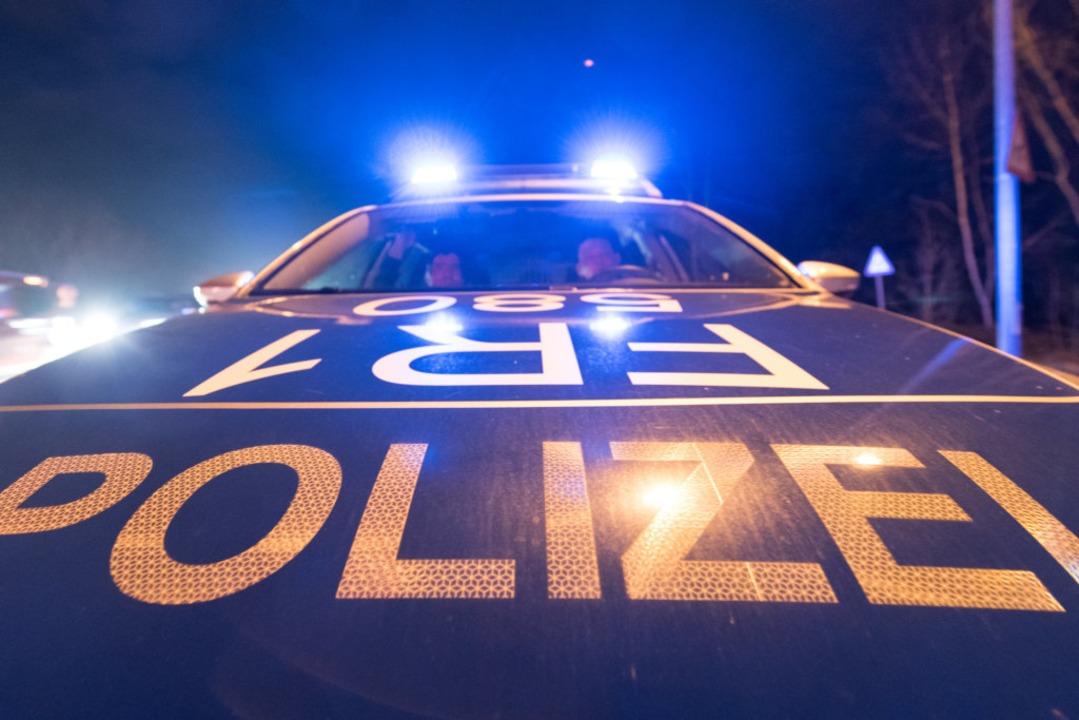 Die Polizei sucht Diesel-Diebe, die au...lätzen entlang der A5 unterwegs waren.  | Foto: dpa