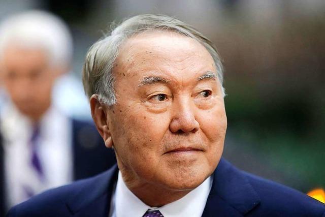 Autoritärer Dauerherrscher Nasarbajew tritt in Kasachstan zurück