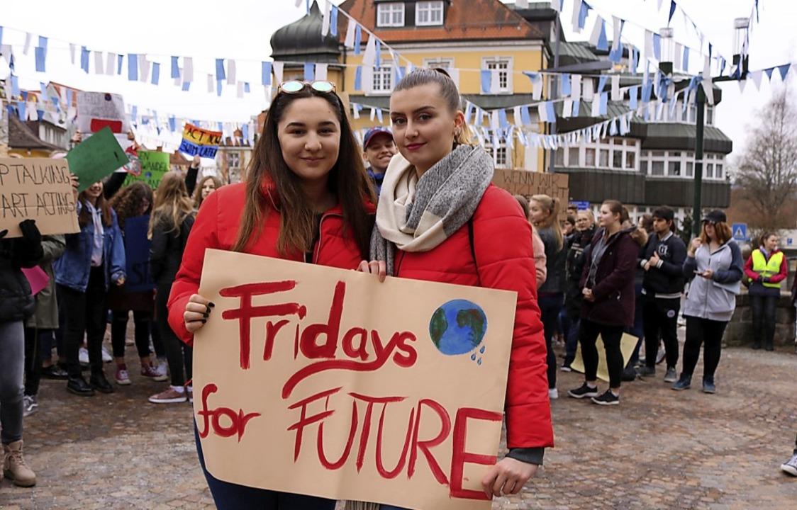 Die beiden Klimaaktivistinnen Ceyda Gy...r Schüler am 23. Februar organisiert.   | Foto: Jens Wursthorn
