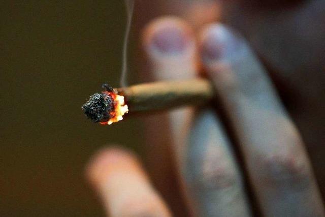 Steinen: Mann verschluckt Marihuana bei Polizeikontrolle