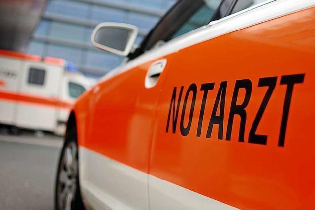 Mann sticht Rathaus-Mitarbeiter in Schramberg nieder