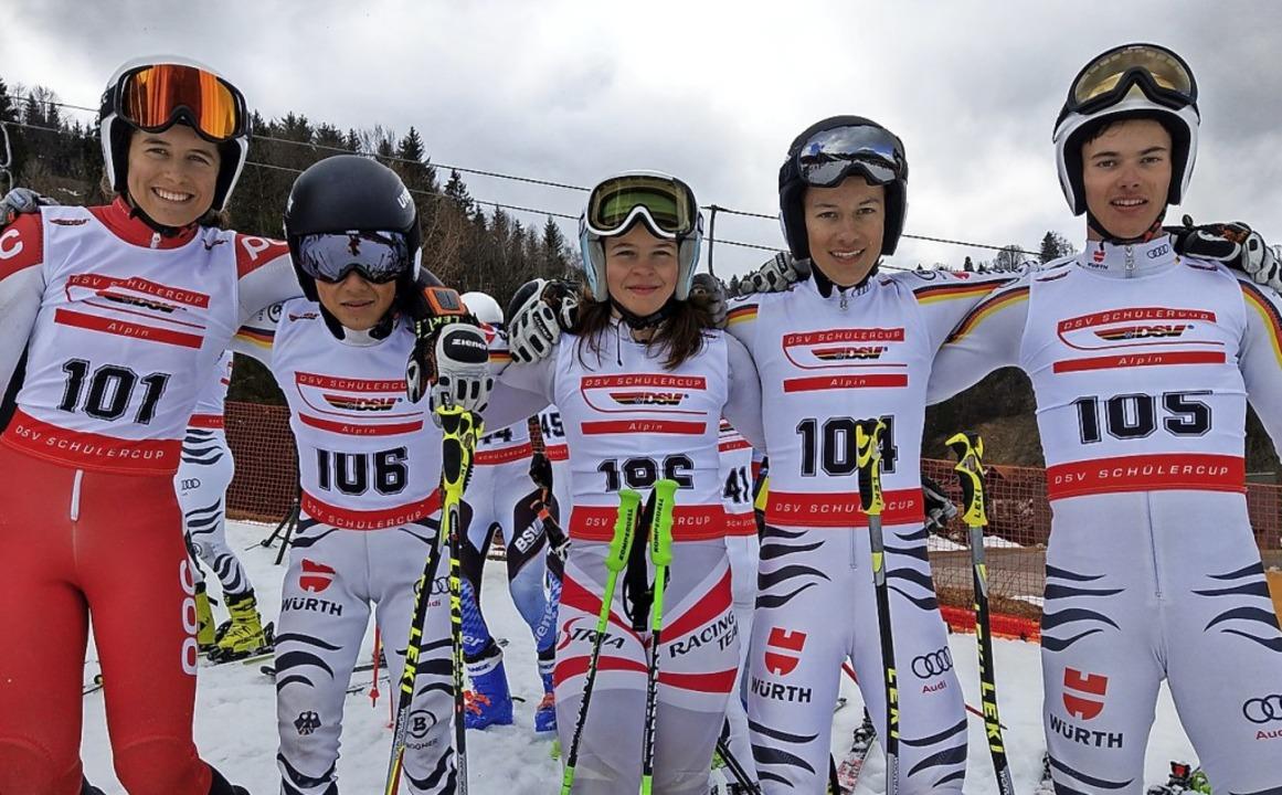 Stolze Rennfahrer: (von links) Ronja W...duritsch,  Jona Juwana und Jakob Baum   | Foto: siegmund