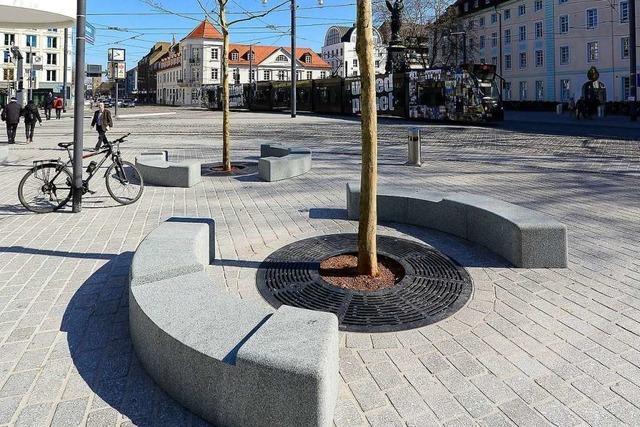 Ärger wegen unfertiger Granitbänke am Freiburger Europaplatz