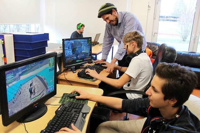 Stegens Jugendliche wollen besseres Internet und Sportmöglichkeiten