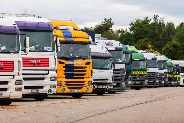 Lastwagenfahrer sollen mit Lasertechnik einen Parkplatz an der Autobahn finden