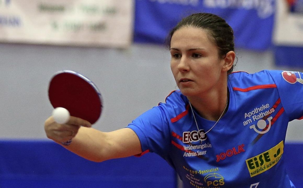 <BZ-FotoAnlauf>Tischtennis:</BZ-FotoAn...opspielerin Ievgeniia Vasylieva nimmt.  | Foto: Schöchlin