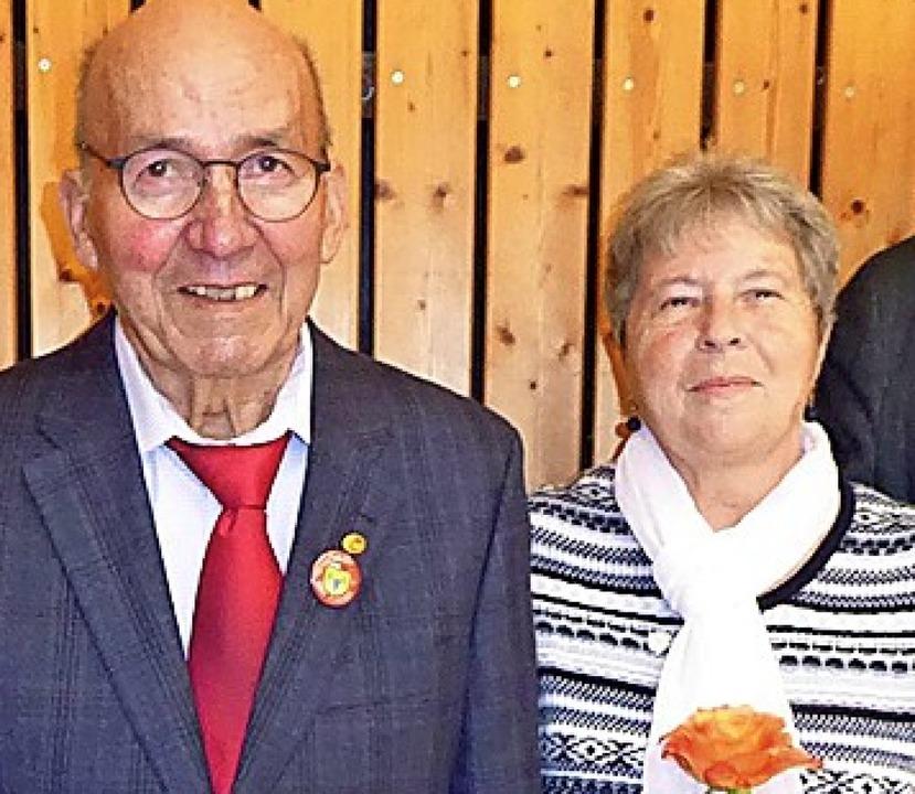 <BZ-FotoAnlauf>Gesangverein:</BZ-FotoA... wurden beim Treffen des OMCV geehrt.   | Foto: Privat