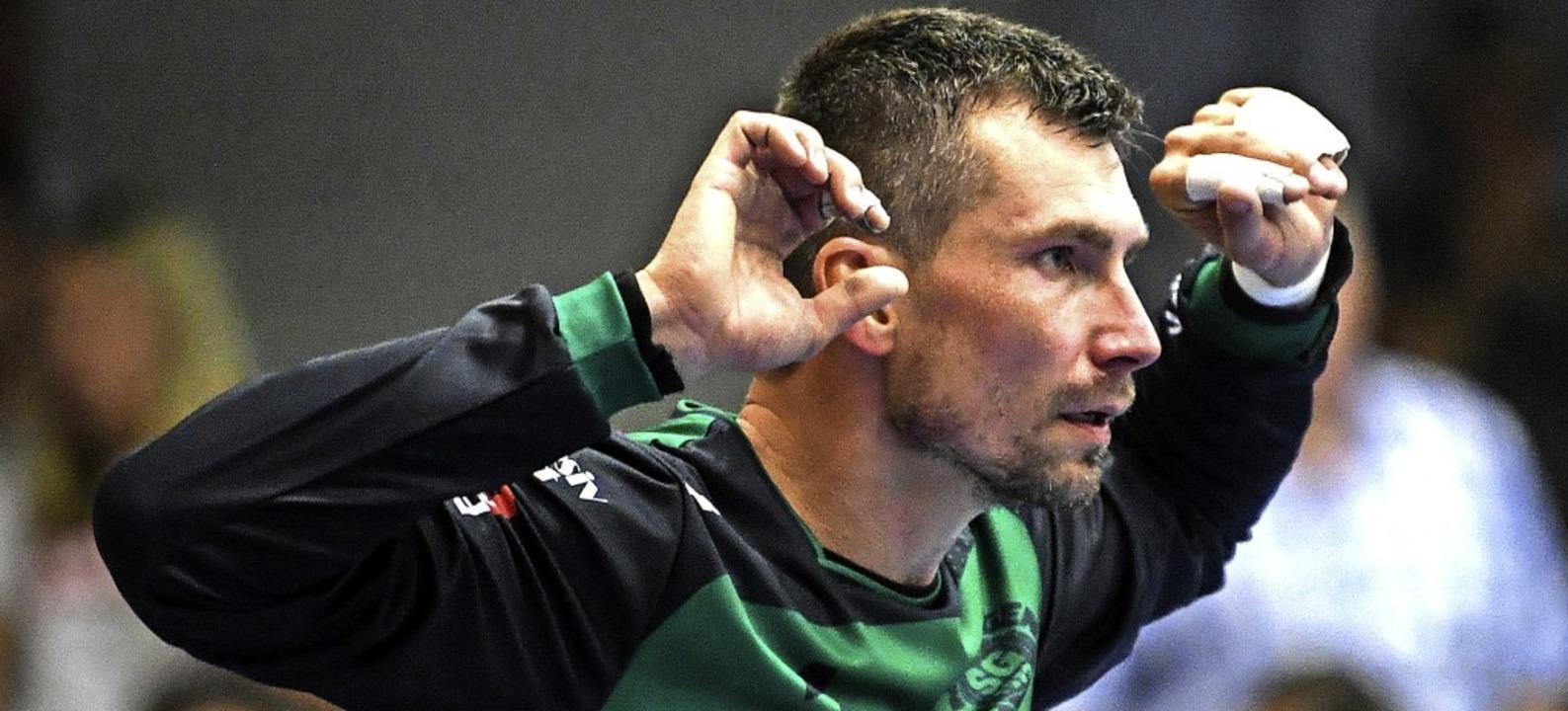 Auf der Hut: Handballtorhüter Sebastian Kicki   | Foto: Patrick Seeger