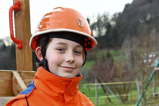 Diese Elfjährige bringt die Feuerwehr in Steinen in Schwung