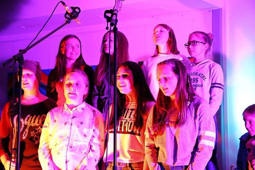 Die Klasse 6a vereint viele Musiktalen...Sänger oder diverse Instrumentalisten.  | Foto: Martha Weishaar