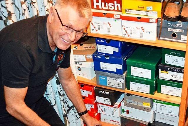 Kolpingfamilie Kirchzarten sammelt alte Schuhe und Smartphones ein