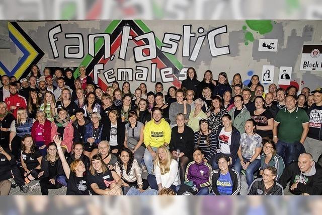 Ausstellung zu weiblichen Fans im Fußball