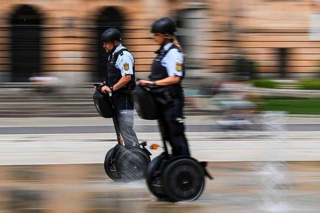 Woran erkennt man echte Polizisten?