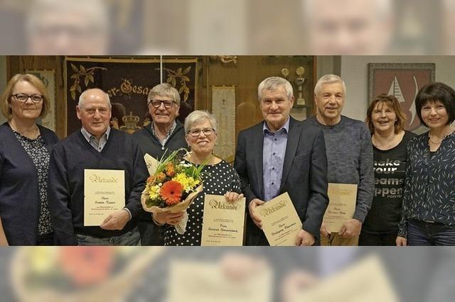 Neue Ehrenmitglieder beim MGV Altdorf