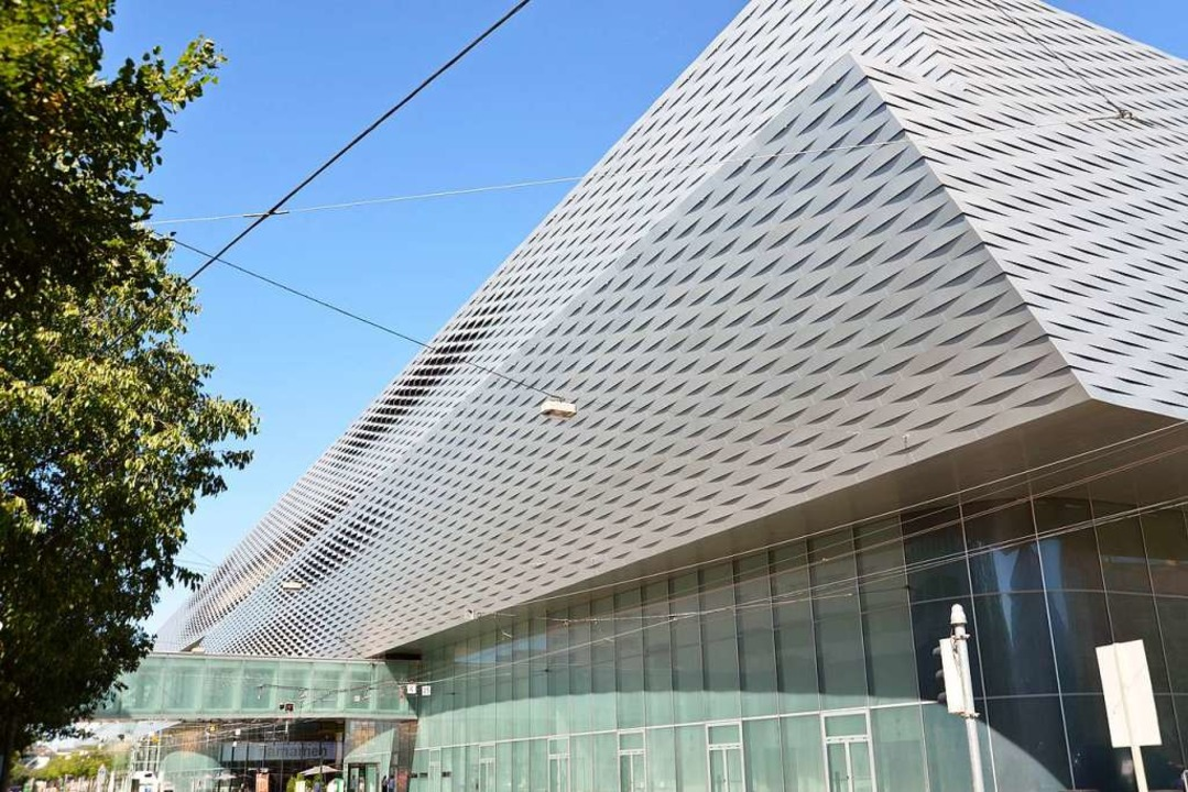 Auf das Messegebäude mussten 2018 mehr...llionen Franken abgeschrieben werden.   | Foto: MCH Group