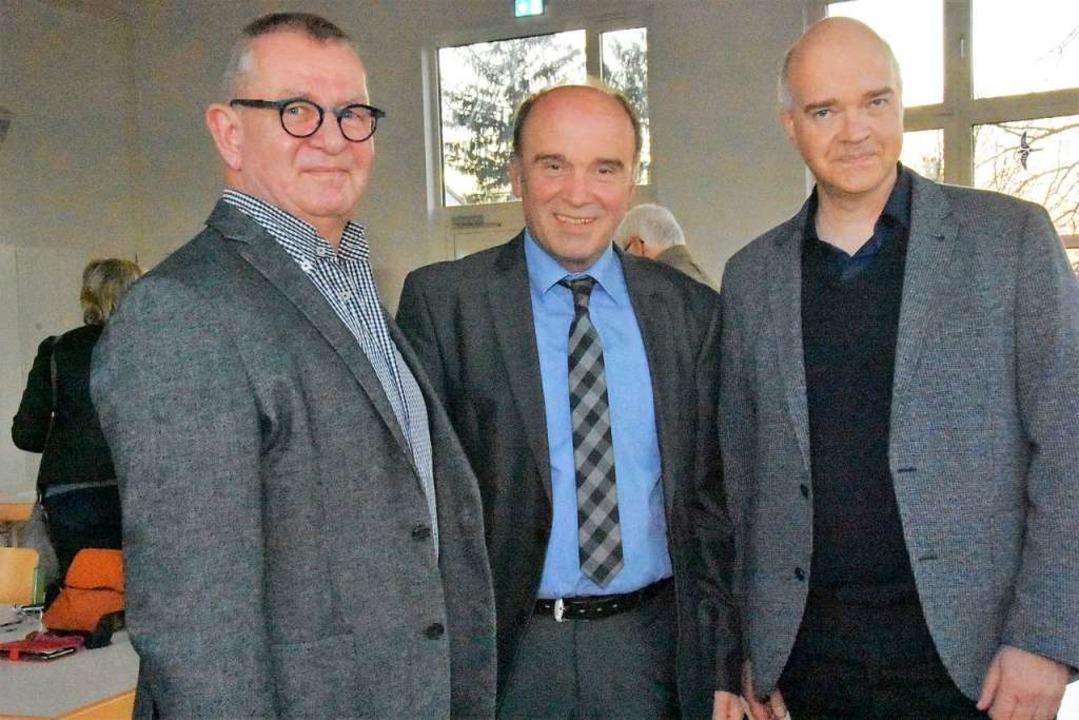 Schulleiter Matthias Hinderberger  mit...m Nachfolger Lutz Thormann (von links)  | Foto: Andrea Steinhart