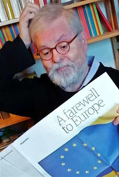 Was machen da bloß die Briten? Korrespondent Peter Nonnenmacher bei der Lektüre.  | Foto: ?