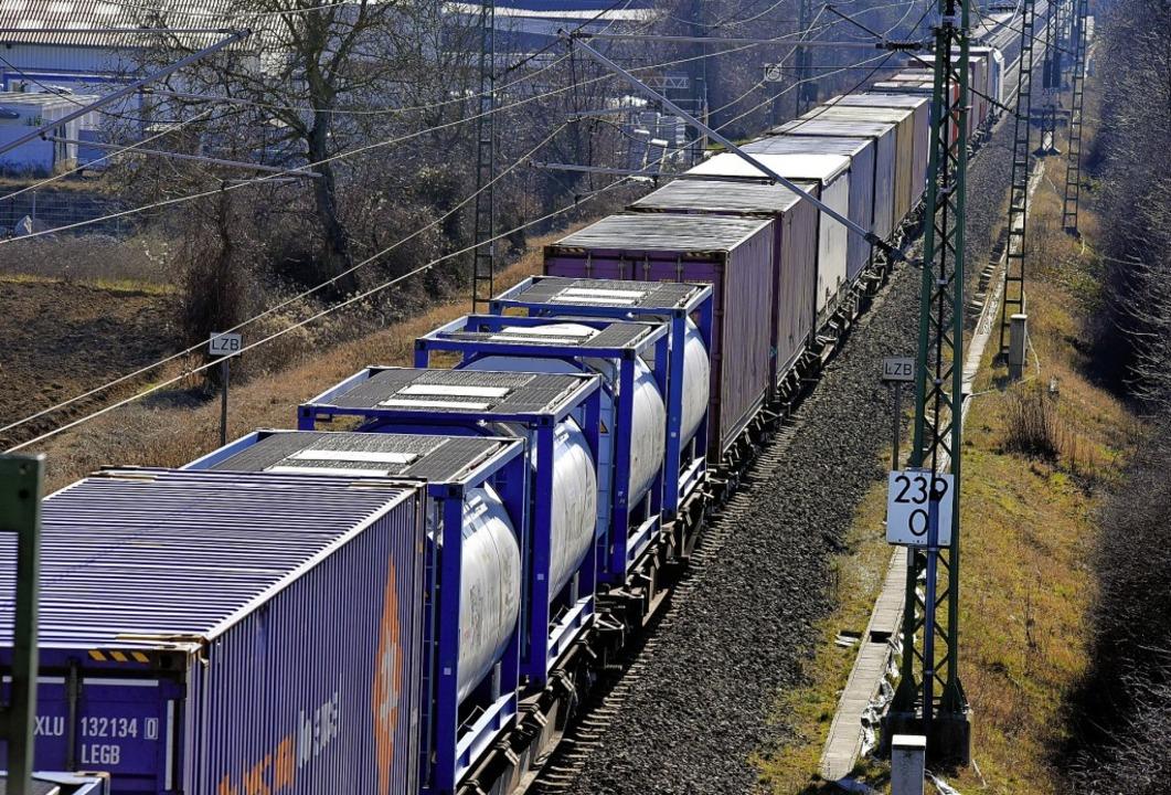 Der Ausbau der Rheintalbahn kommt  vor...11; auch zwischen Müllheim und Auggen.    Foto:  Gollrad