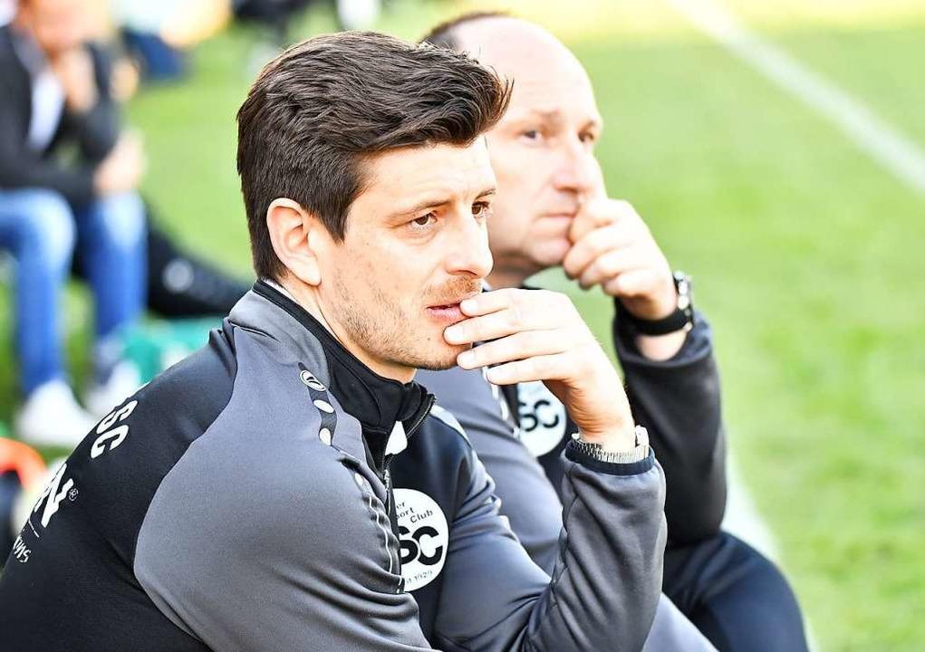 Das Bahlinger Trainerduo Dennis Bührer...t erlebte einen entspannten Nachmittag    Foto: Achim Keller