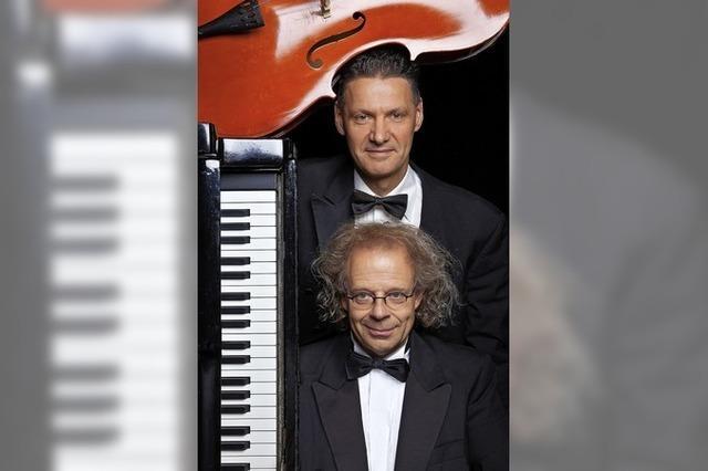 Stenzel und Kivits persiflieren Musik von Pop bis Klassik