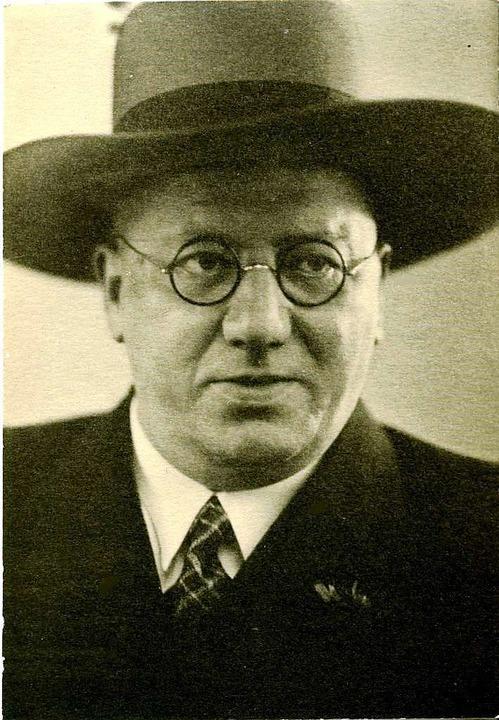 Hermann Eris Busse, von 1922 bis 1942 ...ischen breitrandigen Hut (Hecker-Hut).  | Foto: Archiv Verein Badische Heimat