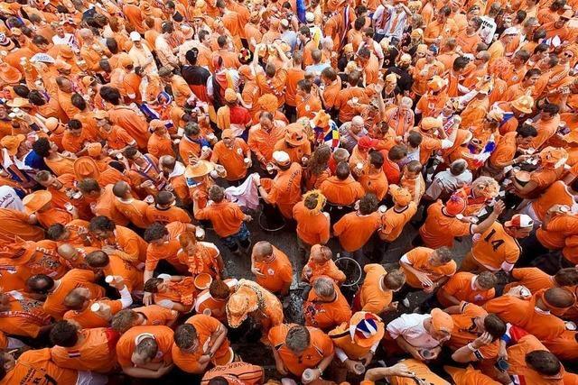 Warum tragen die Fans der Niederlande orange?