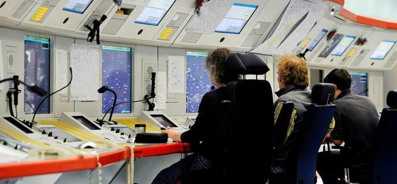 Die Flugsicherung wird weiterhin von Softwareproblemen geplagt.  | Foto: dpa