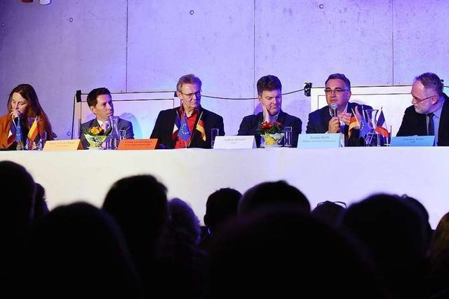 Am Deutsch-Französischen Gymnasium in Freiburg diskutierten Politiker mit Schülern
