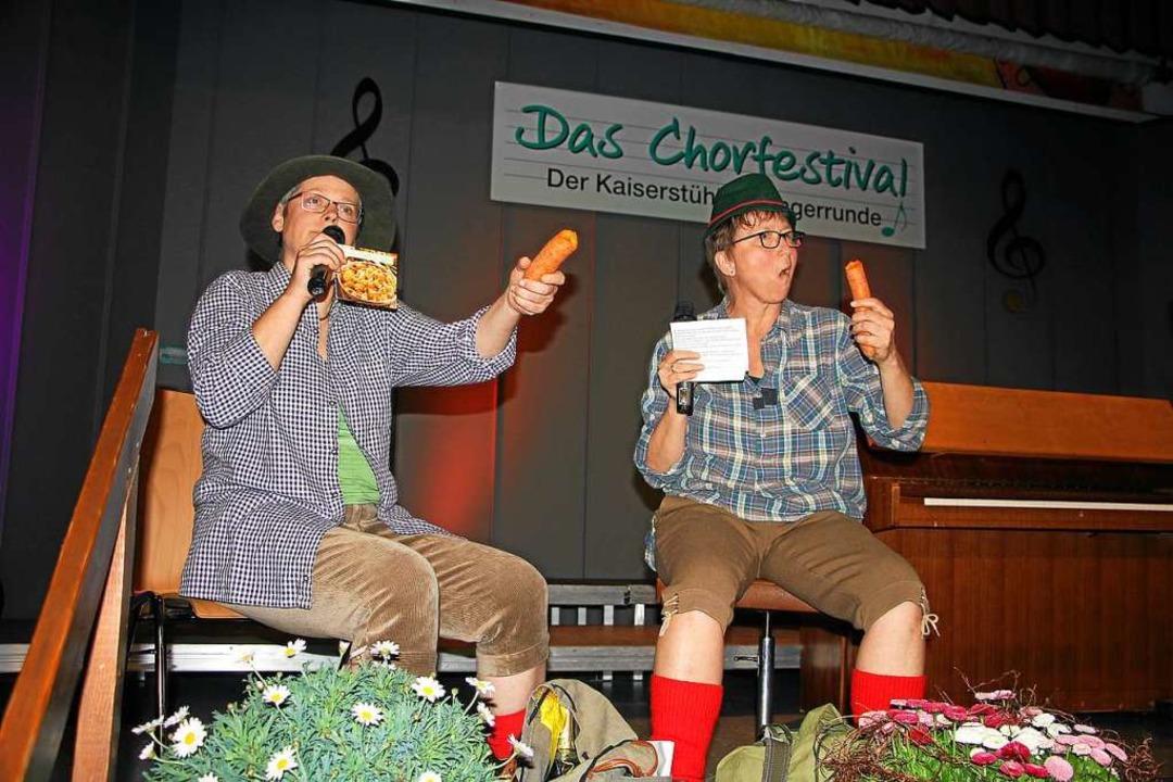 Ruth Zähringer (links) und Bärbel Bley...ltsam  durch die beiden Konzertabende.  | Foto: Herbert Trogus