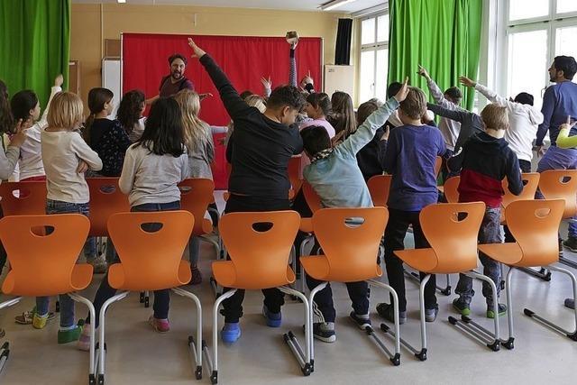 Kinder singen gegen sexuelle Gewalt