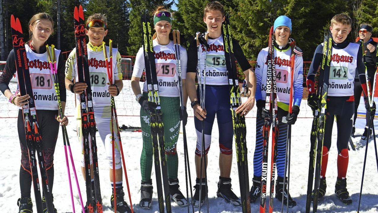 Die besten  Schülerteams U14/15 beim  ...nd  Jannis Dold/Nils Gutmann (rechts).    Foto: Helmut Junkel